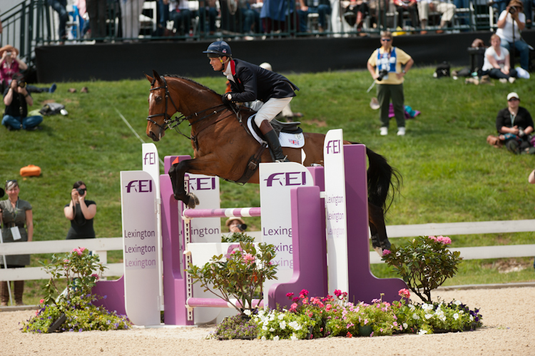 William Fox-Pitt and Parklane Hawk Jumping HSBC FEI Classics Kentucky Image Amy Dragoo