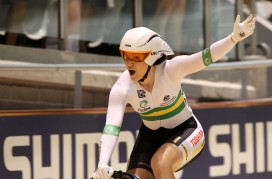 Two world records highlight blistering night on track, Aussies maximise surprise opportunity in men's team sprint