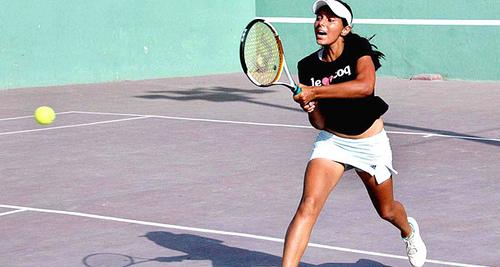 sara-mansoor-tennis