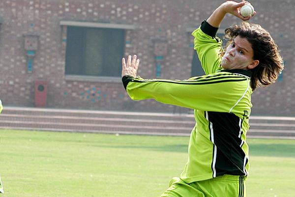 Cricket102109_600x400_full_600