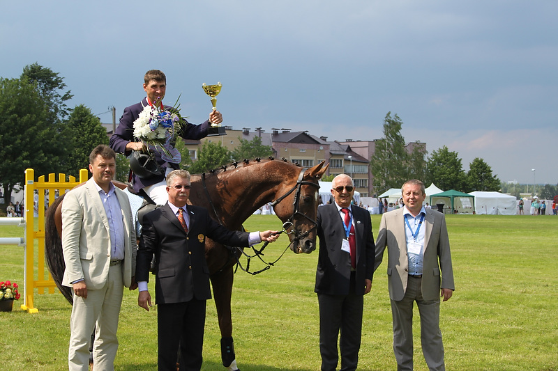 FEI Nations Cup™ Eventing: Vakin roars to victory at Minsk