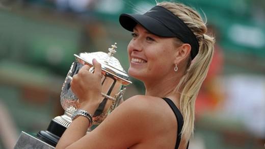Sharapova completes career Grand Slam in Paris