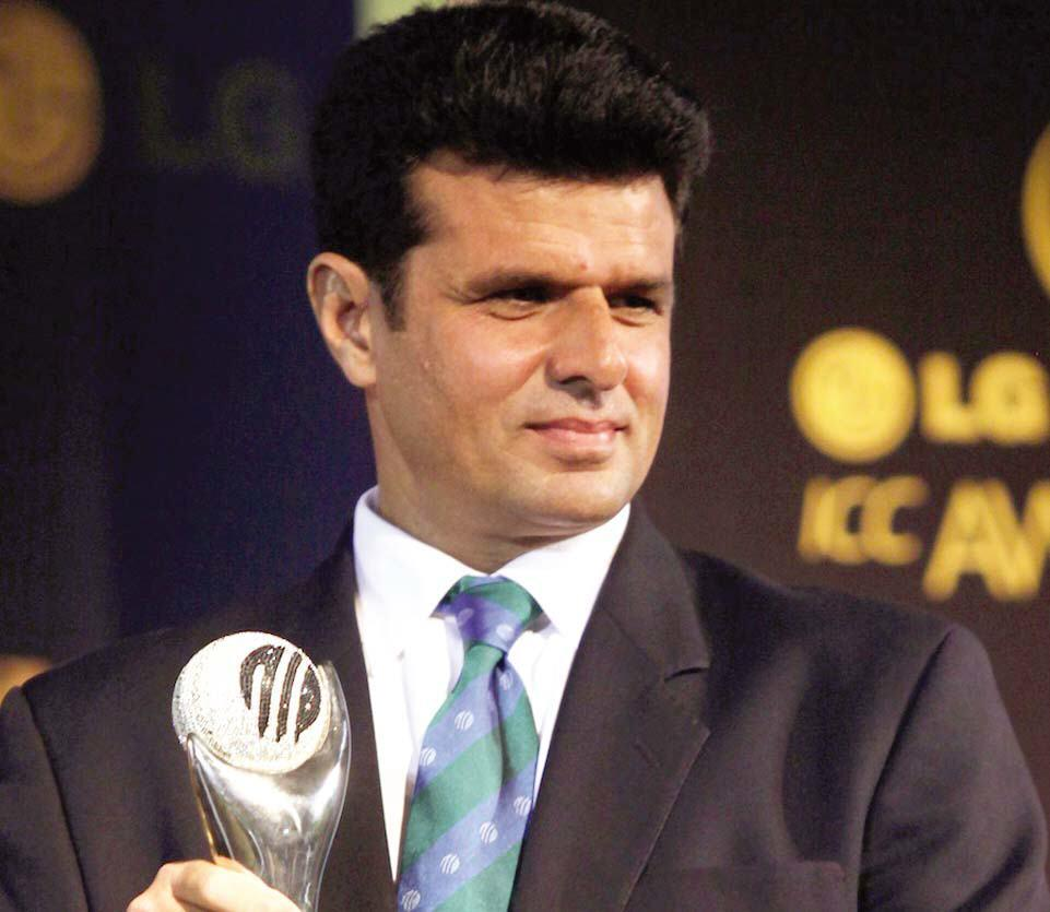 Aleem Dar becoming only seventh umpire