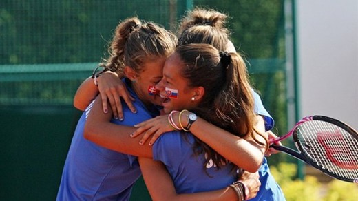 USA boys and Slovak Republic girls win titles