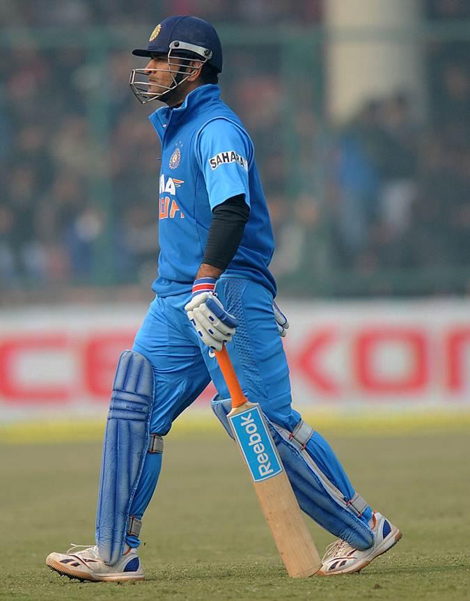 India v Pakistan, India's bowlers prevent whitewash