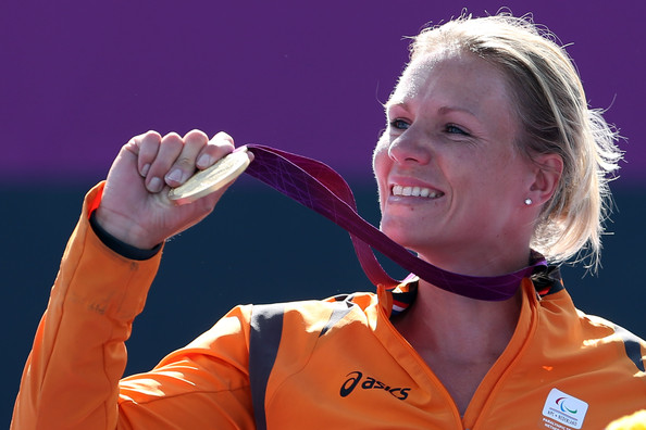 Wheelchair tennis star Vergeer announces her retirement