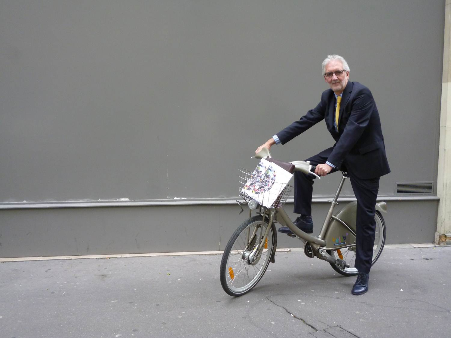 Candidate, to facilitate meeting to Tour de France